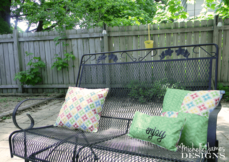 Fabulous Outdoor Pillow Decor - www.michellejdesigns.com