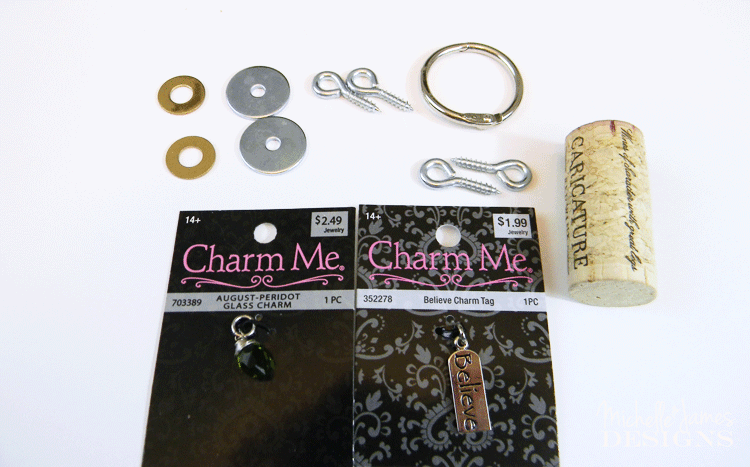 These wine cork key chains are so easy to make and are great gifts. - www.michellejdesigns.com