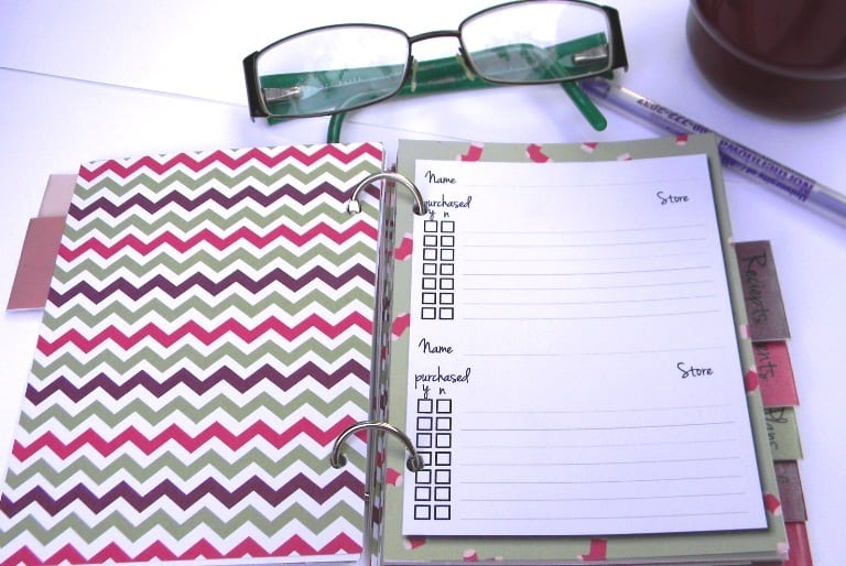 2015 Holiday Planner - www.michellejdesigns.com - Don't stress, plan! Keep this planner with you at all times for a stress free holiday season.