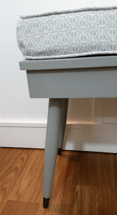Modern-Bench - www.michellejdesigns.com - I sewed my way to the most fun modern bench ever!