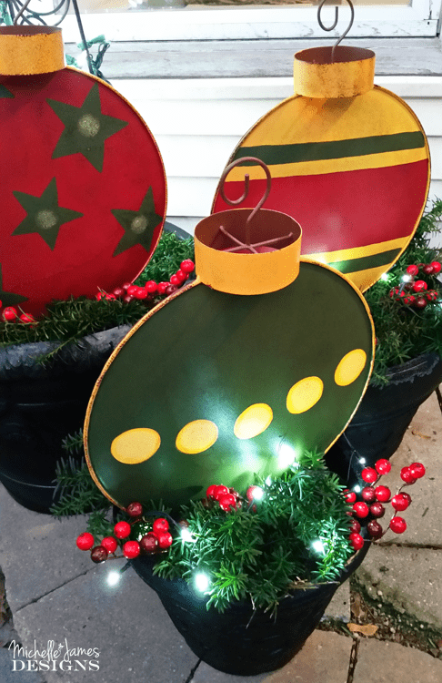 outdoor christmas decorations wwwmichellejdesignscom these large metal ornament stakes - Large Outdoor Christmas Decorations