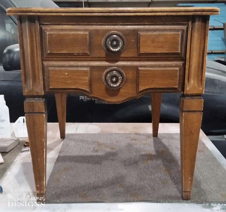 How To Use An Old Map On An End Table - www.michellejdesigns.com - I knew when I saw this old map of Iowa I could find a good use for it. Look how it totally transformed this end table!