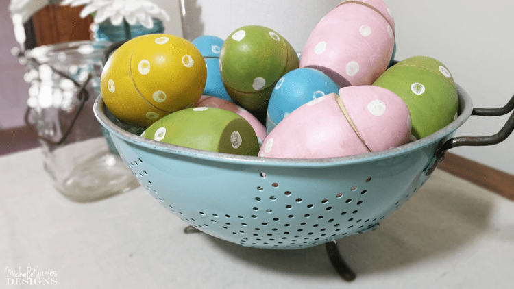 I had such fun with these painted wooden eggs. I used some chalk paint and grunge glaze to create the perfect farmhouse Easter Eggs! www.michellejdesigns.com
