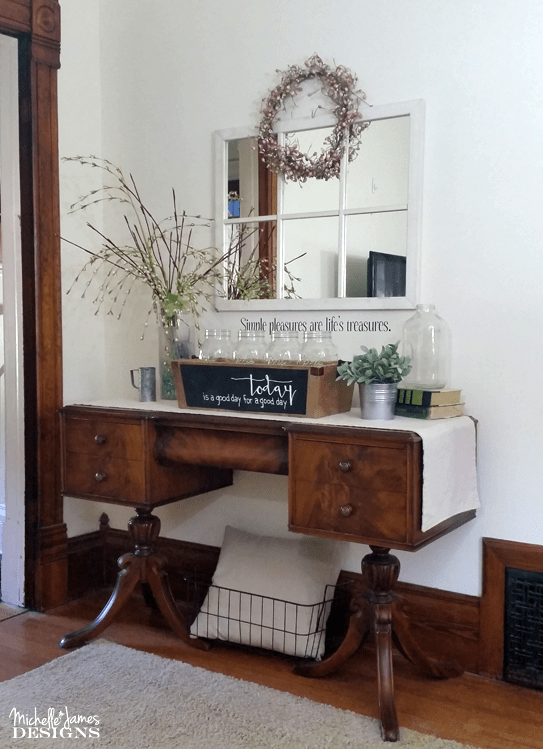 I spotted this wooden box at a garage sale and knew I could hide the ugly painted side with chalkboard paint. So that is exactly what I did. Now I have the perfect farmhouse wooden box for my home! - www.michellejdesigns.com