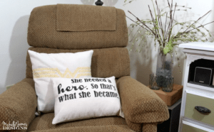 I love the Monday Movie Challenge. This month our Wonder Woman had me very challenged. I created Wonder Woman throw pillows with a bit of farmhouse charm. - www.michellejdesigns.com