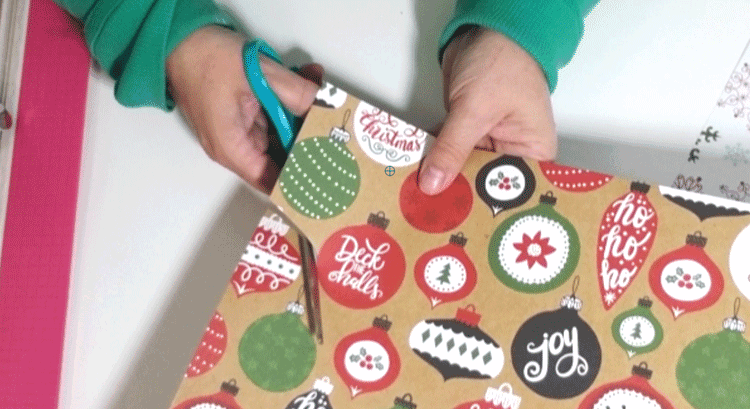 Create and easy DIY Ornament Christmas Card with scrapbook paper - www.michellejdesigns.com #michellejdesigns #diyChristmascard #handmadecards #holidayhandmade