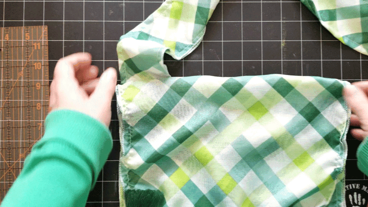 Deciding where to add the straps to the bag