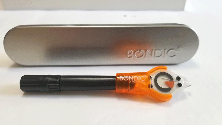 The Bondic glue pen with ultra violet light.