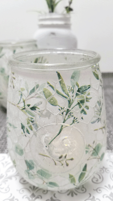 Close up picture of the farmhouse candle holder.