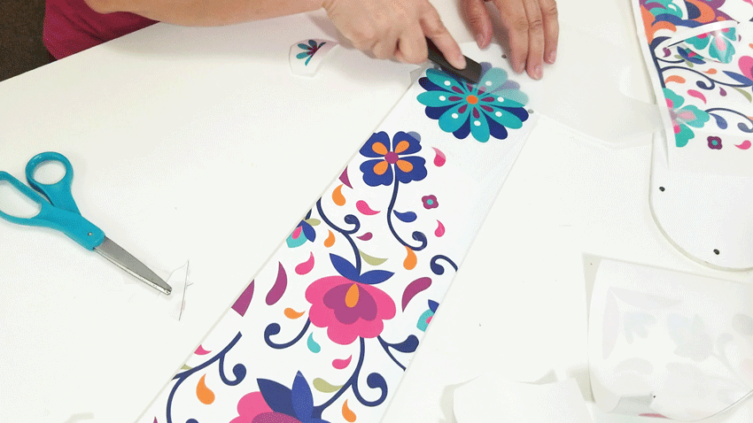 Adding a large flower transfer to the end of the fan blade.
