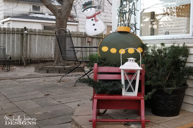 holiday-porch-decor