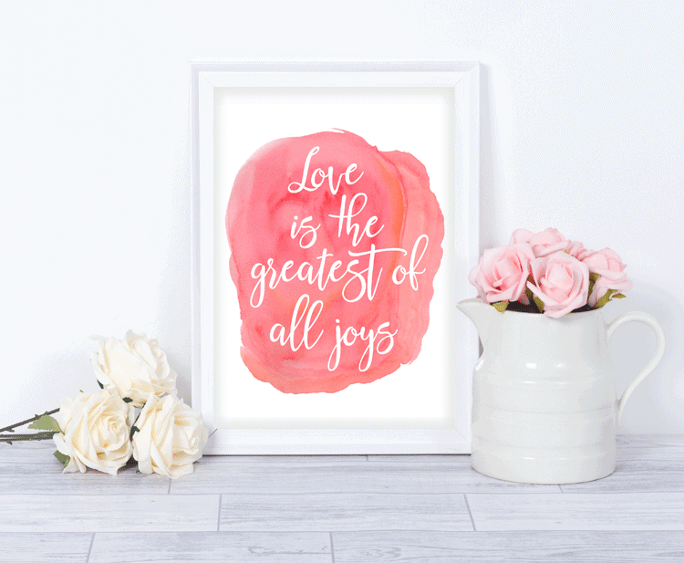 I love nice artwork that doesn't cost a fortune. These digital Watercolor Love Wall Prints are pretty and perfect for a little bit of Valentine's Day Decor - www.michellejdesigns.com